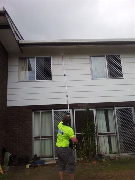 house window washing steve s professional window cleaning and house washing in point vernon qld cleaning