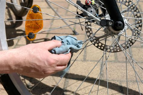 Sarung Tangan Karet Buat Cuci Piring merawat dan membersihkan rantai sepeda bersihbersih