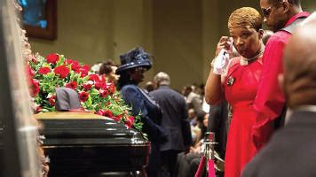 lesley mcspadden arrives friendly temple