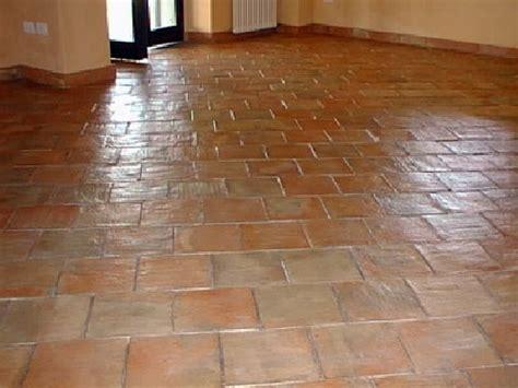 cotto pavimento foto pavimento in cotto di c m servizi pulizie civili e