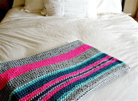 how to end a knitted blanket easy stripes knit blanket throw in a stitch