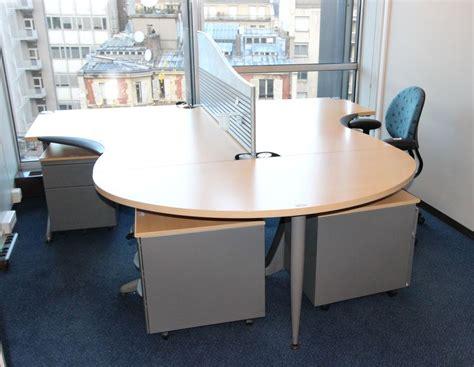 etag鑽e bureau mobilier steelcase 3 bureaux avec retour 2 bureaux avec