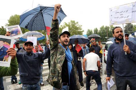 consolato bologna protesta dei lavoratori marocchini contro il consolato di