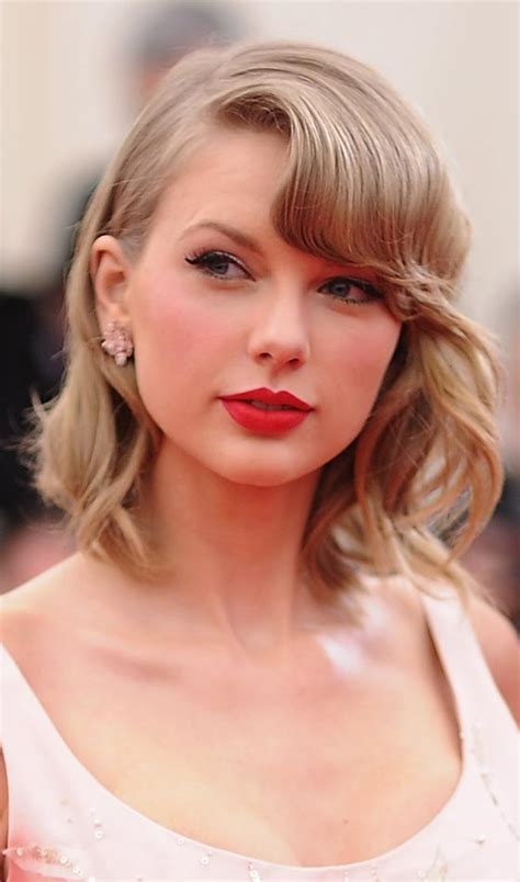 top  taylor swift hairstyles  inspire