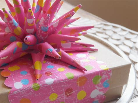 artmind guest post tutorial how to make a paper spike bow