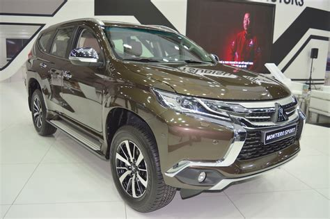 mitsubishi dubai mitsubishi montero sport showcased at the 2017 dubai motor