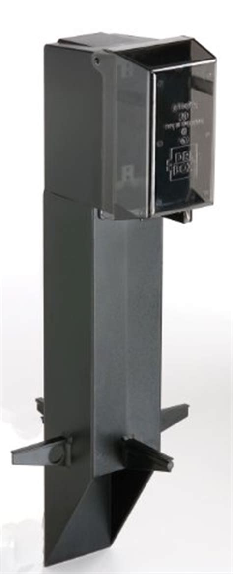Outdoor L Post With Electrical Outlet by Arlington Gpd19b 1 Gard N Post Outdoor Landscape Lighting