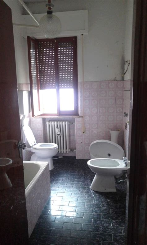 bagno da ristrutturare bagno da ristrutturare