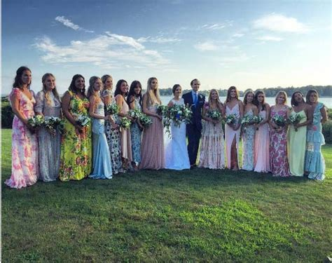 How Pre Choose Their Own Fashion by This Let 15 Bridesmaids Choose Their Own Dresses