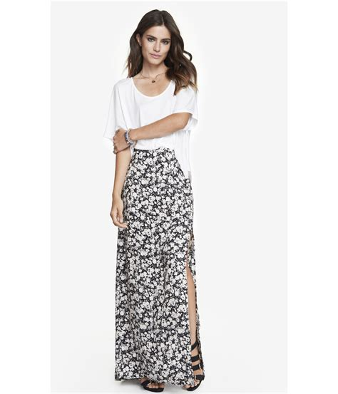 express high waisted side slit woven maxi skirt in floral