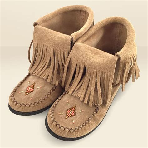 Handmade Moccasins Canada - 1000 images about moccasin boots on ankle