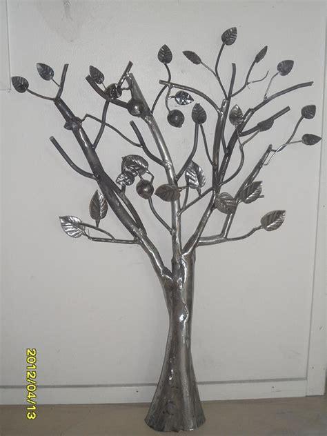 pin the metal tree sculpture on - Tree Metal