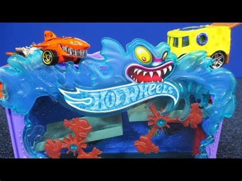 Track Hotwheels Adventure Zombies 2015 mcdonalds happy meal team wheels collection re