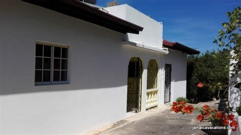 House for Sale, St Elizabeth, near Munro College Jamaica