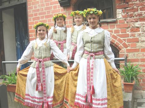 lithuanian wedding traditions file traditional lithuanian dress jpg wikimedia commons