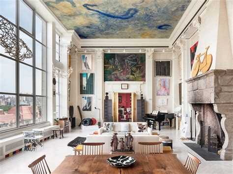 Upper East Side Apartment With Amazing Living Room