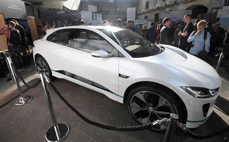 Jaguar Land Rover Electric 2020 by All New Jaguar Land Rover To Electric Option