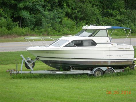 cabin cruiser boats used bayliner cabin cruiser 1994 for sale for 3 500 boats