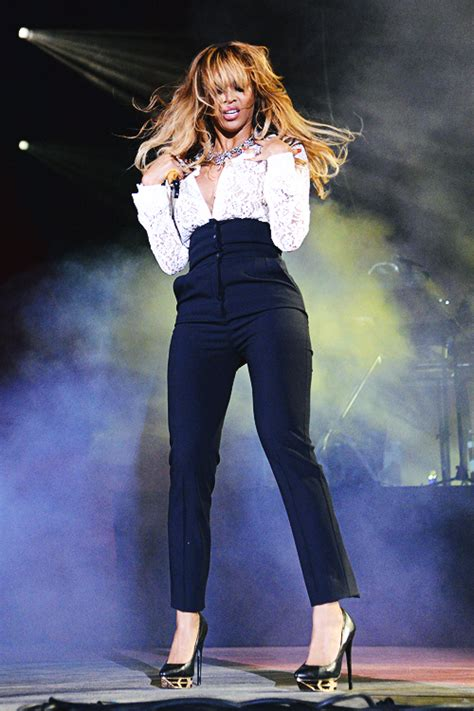 Beyonce Shows Trend High Belted Waists by Or Hmm Beyonce S 2014 Global Citizen Festival
