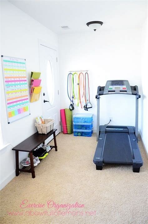 how to work out in your bedroom 17 meilleures id 233 es 224 propos de salle de gym a la maison