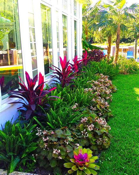 Front Garden Decor Stunning Way To Add Tropical Colors To Your Outdoor Landscaping Biophilic Design Pinterest