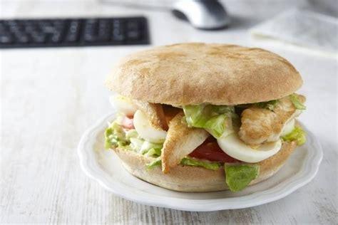 bagna strasburgo recette de sandwich d aiguillettes de poulet fa 231 on pan