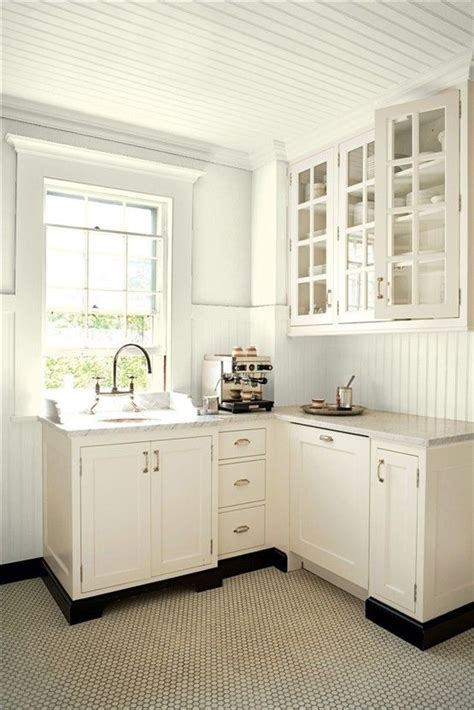 Benjamin Moore Ancient Ivory Lovely Simple Kitchenette Ivory White Kitchen Cabinets