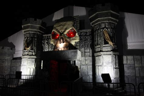 haunted houses chicago screams in the park in rosemont a chicago area haunted house