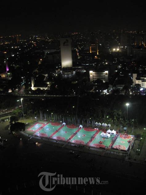 ahok olahraga ahok resmikan lapangan olahraga di monas foto 7 1666449