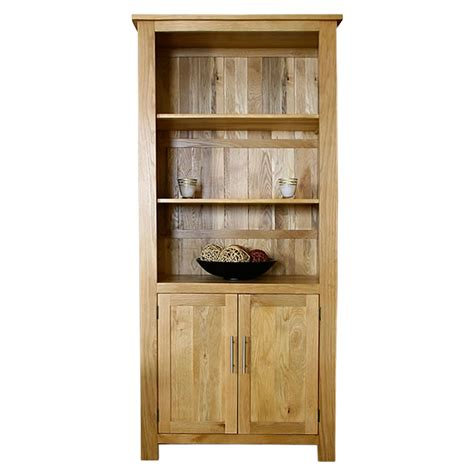 Oak Bookcases With Doors 50 Solid Oak Bookcase With Cupboard Doors Delamere