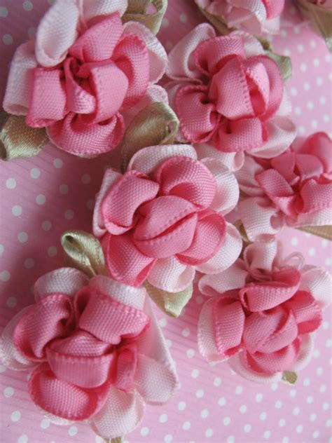 How To Make Handmade Flowers From Ribbon - how to make ribbon flowers do you like arts crafts
