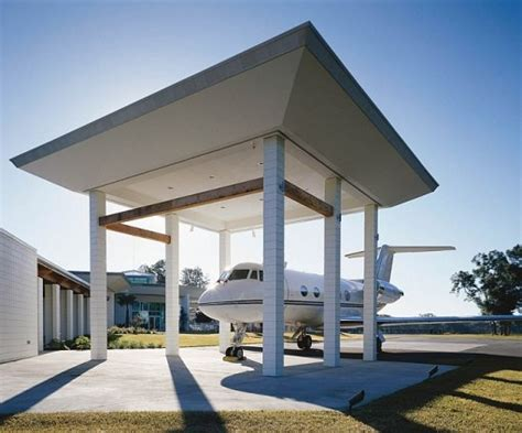 travolta owns 2 runways in home for his planes