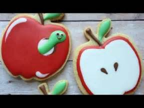 Icing To Decorate Sugar Cookies How To Decorate Apple Cookies Using Royal Icing Youtube