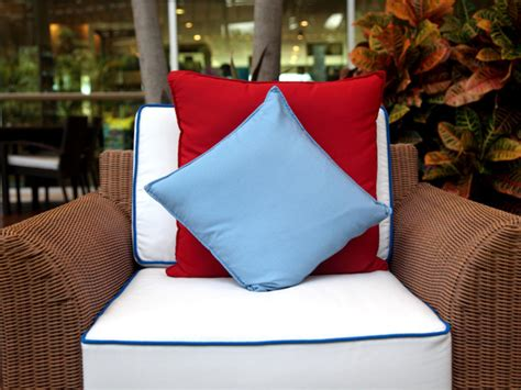 How To Clean Outdoor Pillows by How To Clean Patio Furniture Cushions And Canvas The Home Touches