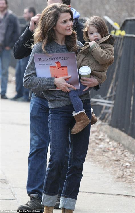 Rugged Winter Boots Keri Russell Showers Daughter Willa With Cuddles As They