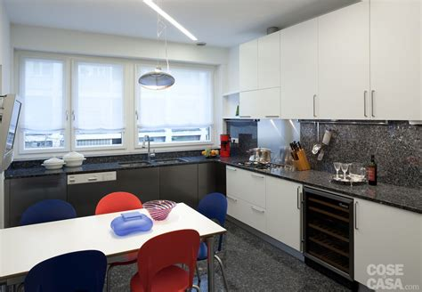 cucine ad angolo con finestra penisola per cucina piccola