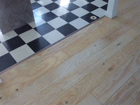 Plywood For Tiling Floors by Low Budget Diy Plywood Plank Floors Part 2 Diydork