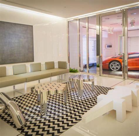 Garage Wohnzimmer by Hochhaus Garage Nobelkarossen Parken Serienm 228 223 Ig Im