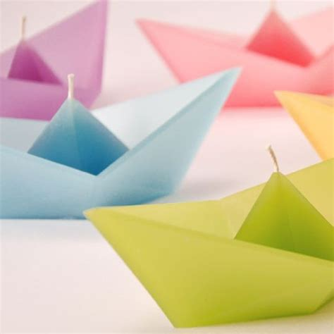 Floating Origami - 1000 ideas about origami boat on paper boats