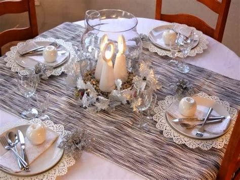 round table decorations 28 christmas dinner table decorations and easy diy ideas