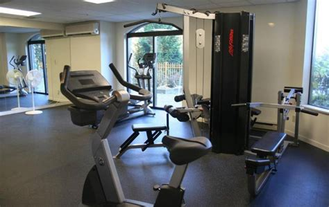 room decor for exercise room room decorating ideas