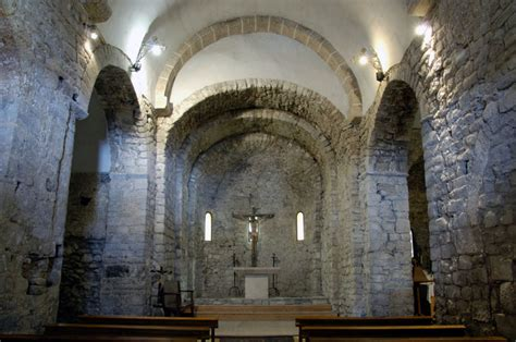 the romanesque inside the churches vall de bo 237