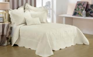 Bed Linen Deals Australia Illiana Bedspread By Bedding Square