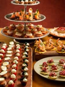 Cocktail Party Invites - amuses bouches faciles les toasts papillette