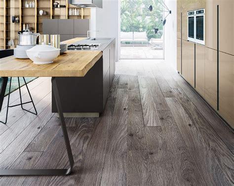 Tavoli E Sedie Moderne by Tavoli E Sedie Per Arredo Di Cucine Moderne E Di Design