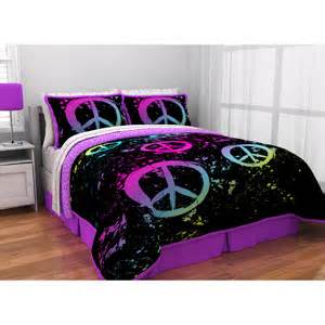 peace sign bedroom triple bunk bed