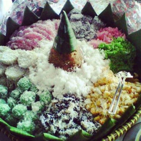 javanese traditional food jajan pasar cenil lupis