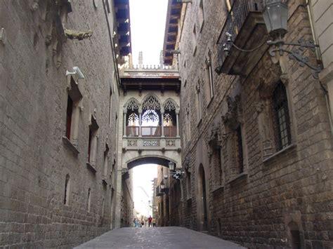 barcelona gothic quarter the gothic quarter of barcelona tourist guide from bcn