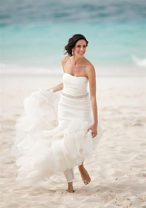 25 Beautiful Beach Wedding Dresses ? The WoW Style