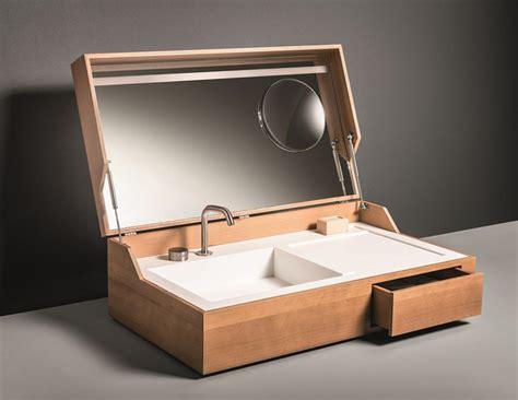 bathroom in a box designer waschbecken in einem holzkasten unterbracht
